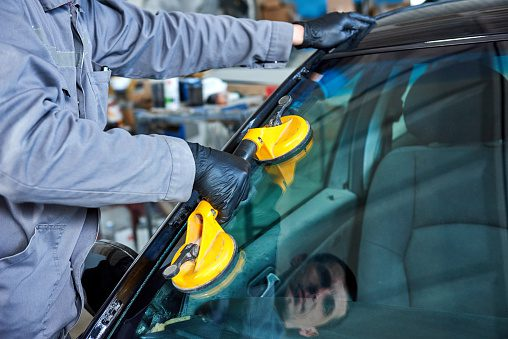 4 Ways to Avoid Windshield Replacement Fraud